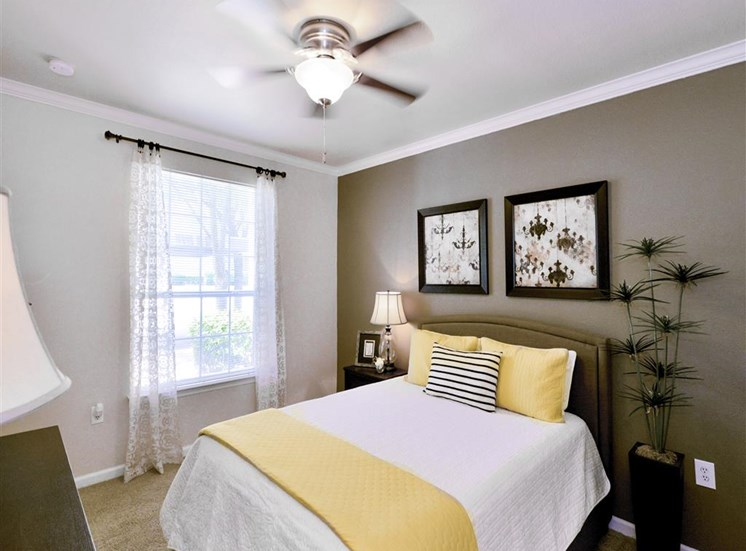 Bedroom ceiling fan in 1 and 2 bedroom apartments For Rent in North Dallas, TX. Now leasing at Montfort Place.