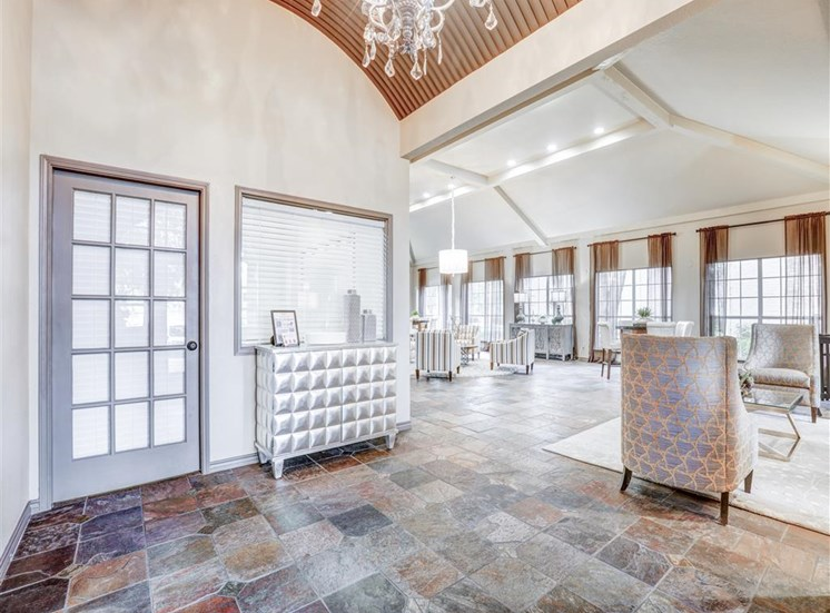 Vaulted Ceilings at Trinity Square Apartments in North Dallas, TX, For Rent. Now leasing 1 and 2 bedroom apartments.