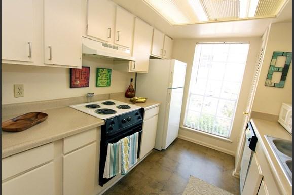 Escondido Village Apartments 7226 Blanco Rd San Antonio