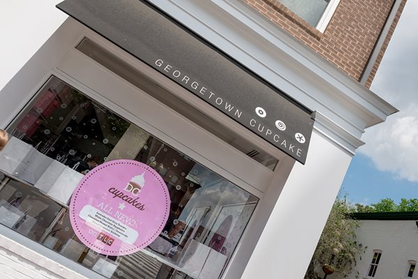 Near by Georgetown Cupcake at The 925 Apartments, Washington, DC,20037