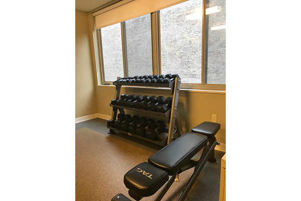 Free Weightsat The 925 Apartments, DC 20037