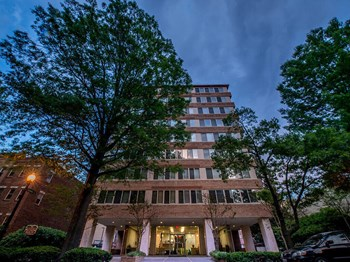 925 25th Street NW Studio-1 Bed Apartment for Rent Photo Gallery 1