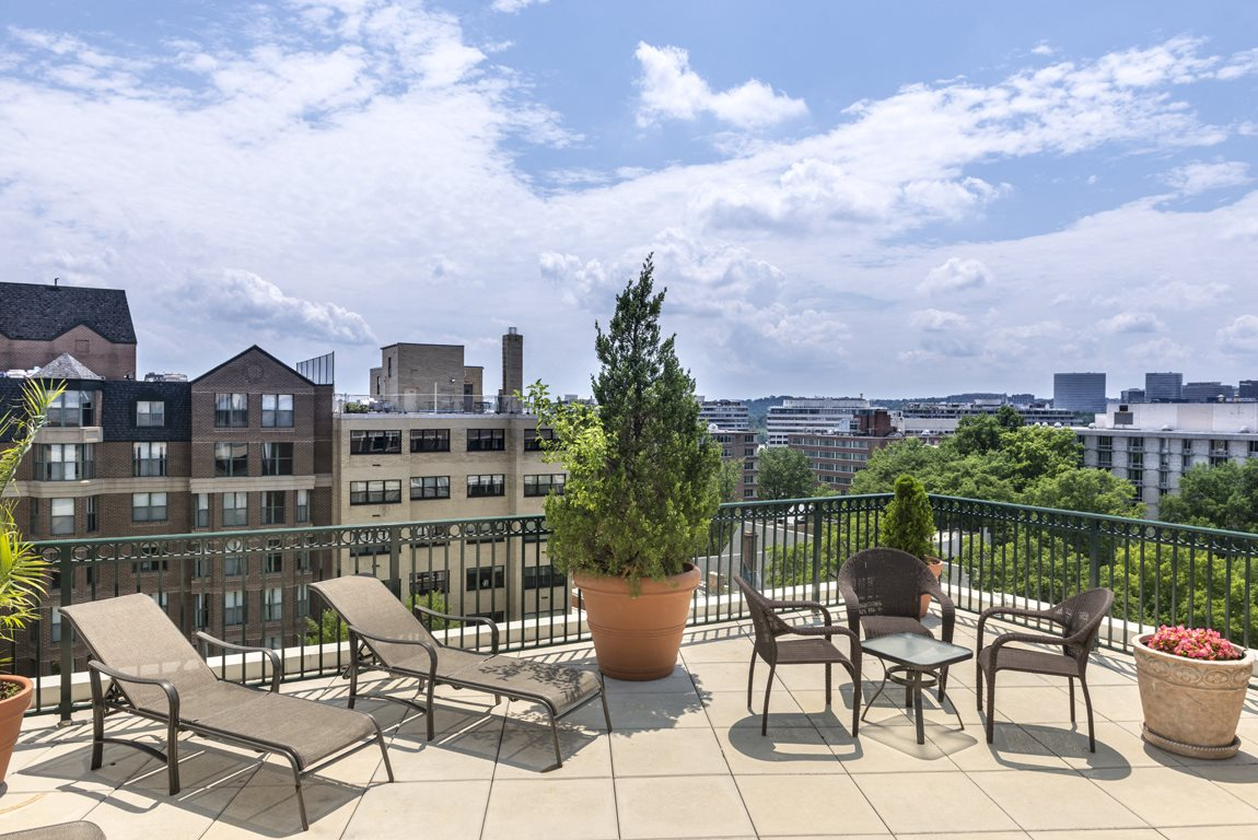 Rooftop Sundeck at 2400 Pennsylvania Avenue Apartments, Washington, DC,20037