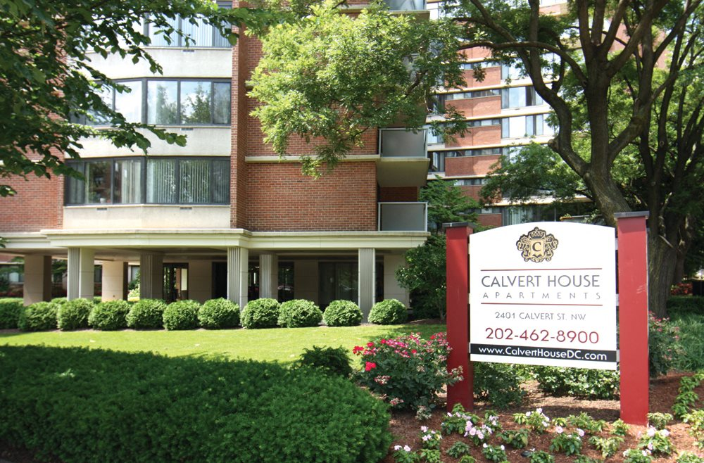 Exterior at Calvert House Apartments at Woodley Park