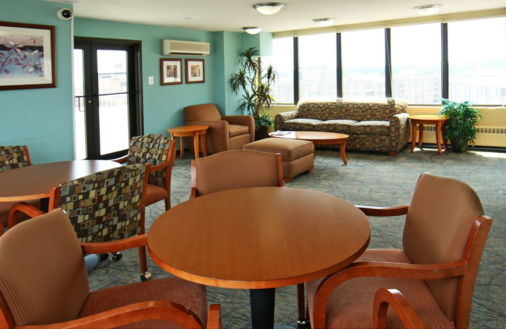 Community Lounge at Calvert House Apartments