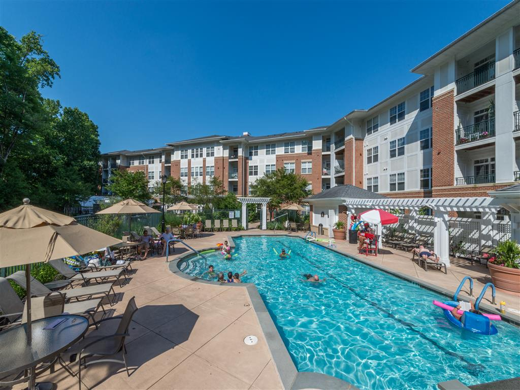 Seasonal Beautiful Outdoor Swimming Pool at Evergreens at Columbia Town Center, 10101 Governor Warfield Parkway, MD 21044