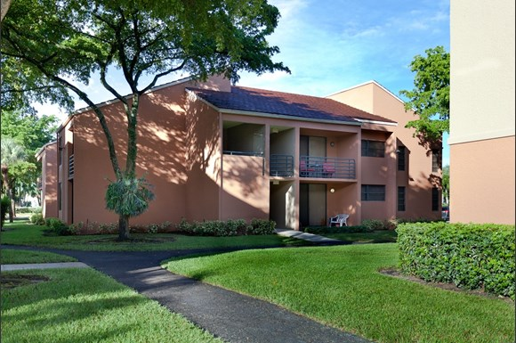 New Barn Apartments Miami Lakes