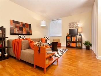 6730 Bull Run Road 2 Beds Apartment for Rent Photo Gallery 1