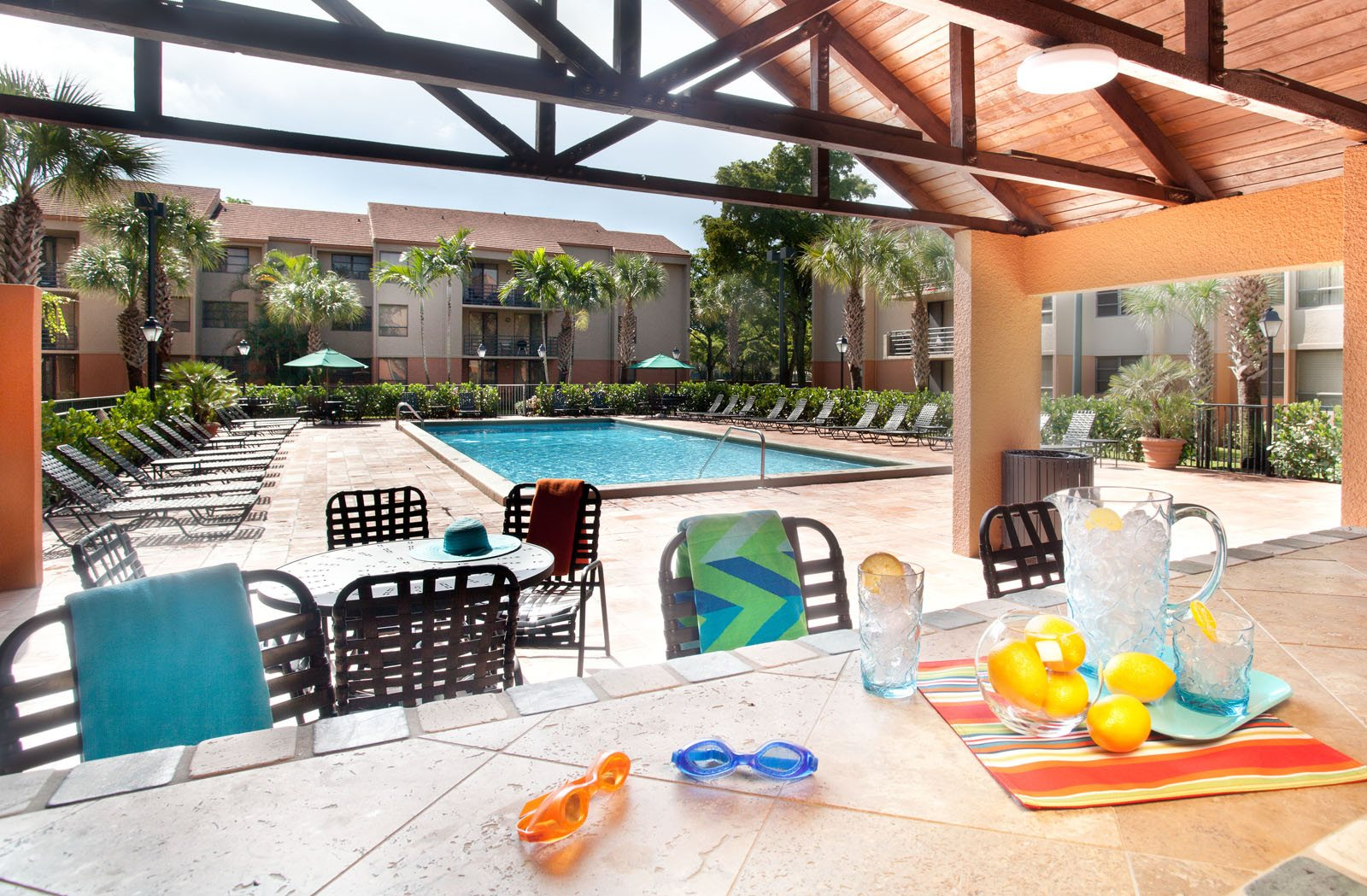 New Barn Apartments | Apartments in Miami Lakes, FL