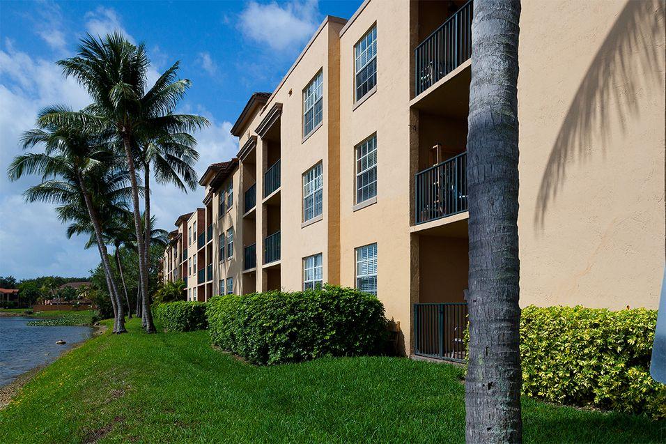 St tropez apartments apartments in miami lakes fl - 1 bedroom apartments for rent in miami lakes ...