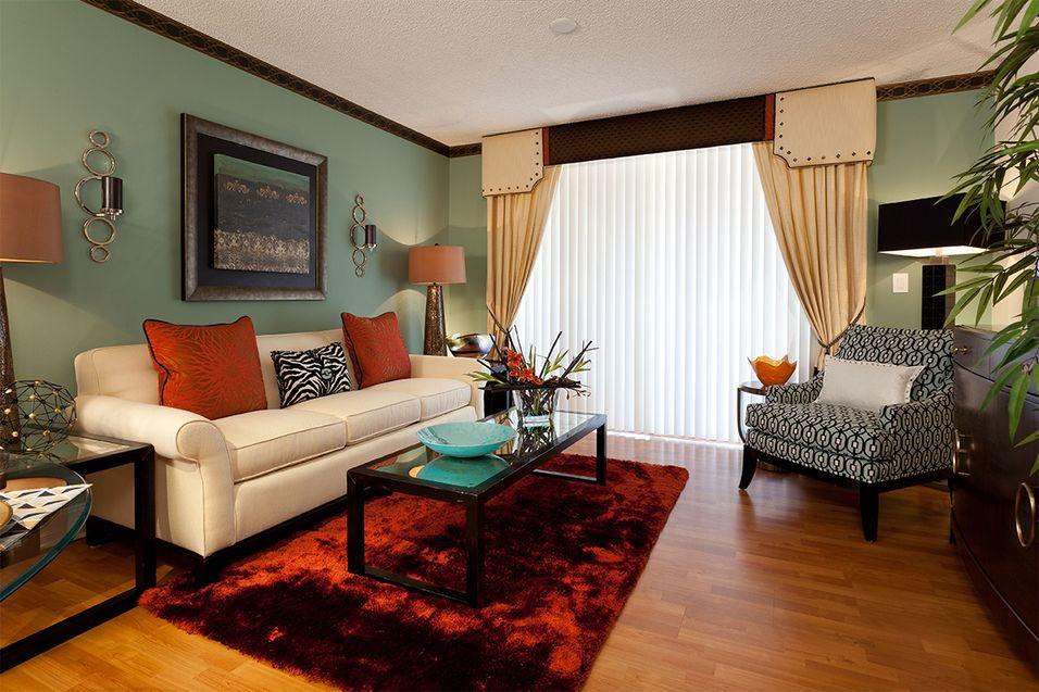 St Tropez Apartments Apartments In Miami Lakes Fl Rentcafe