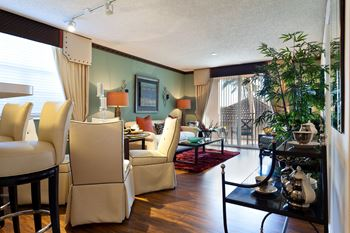 16185 NW 64th Ave 1-2 Beds Apartment for Rent Photo Gallery 1
