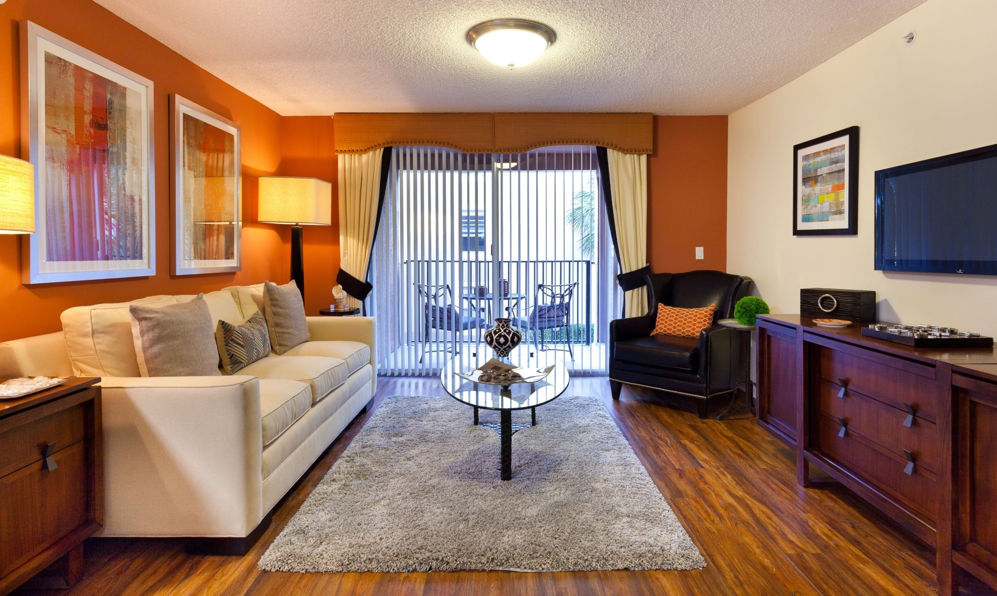 Crescent House Apartments | Apartments in Miami Lakes, FL