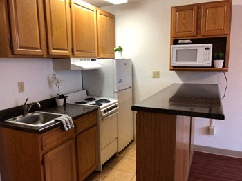 134 East Foster Avenue Studio Apartment for Rent Photo Gallery 1