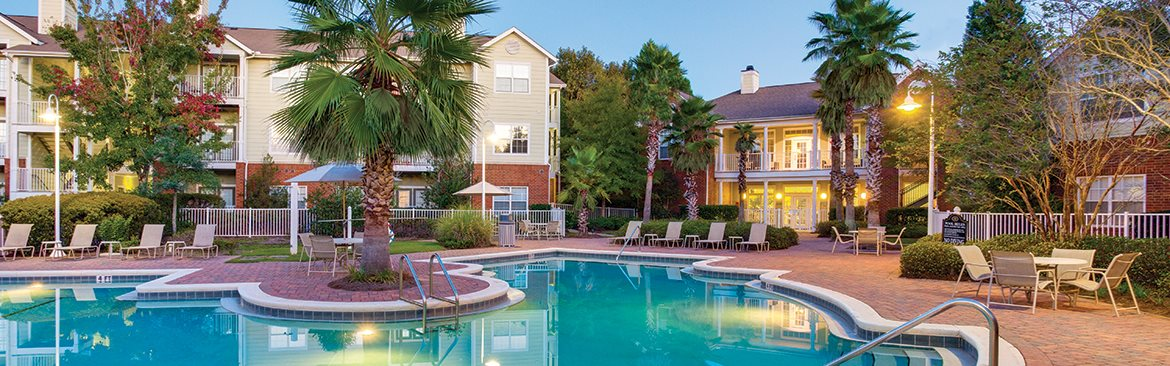 Florida apartment complex with two pools and hot tub