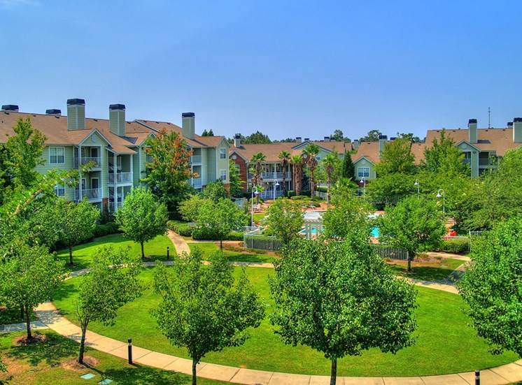 Governors Gate apartments landscaped grounds in Pensacola, Florida