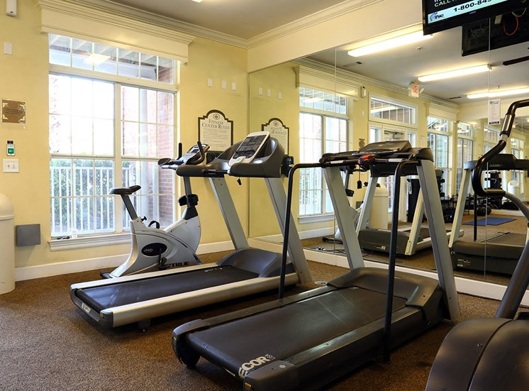 Governors Gate apartments fitness center in Pensacola, Florida