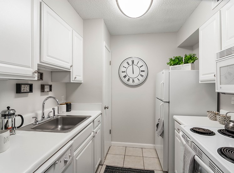 Woodcliff model suite kitchen in Pensacola, Florida