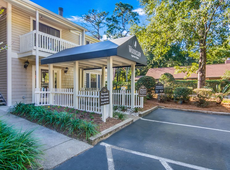 Woodcliff apartments leasing center entrance in Pensacola, Florida