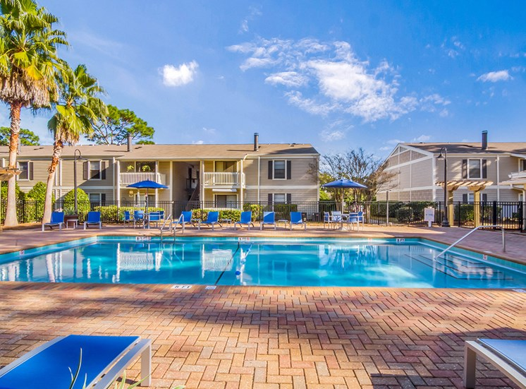 Woodcliff apartments swimming pool in Pensacola, Florida