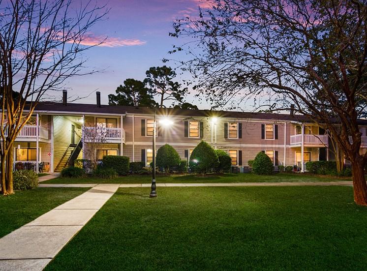 Woodcliff apartment residences in Pensacola, Florida