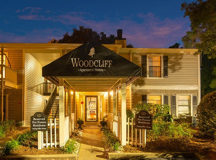 Woodcliff apartments leasing center in Pensacola, Florida