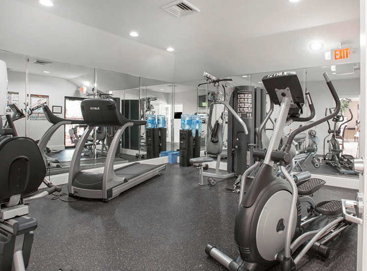 Village Crossing apartments fitness center in West Palm Beach, Florida