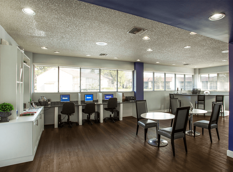 Blue Isle apartments cyber café in Coconut Creek, Florida