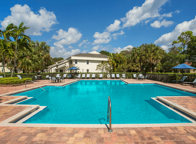Blue Isle apartments swimming pool in Coconut Creek, Florida