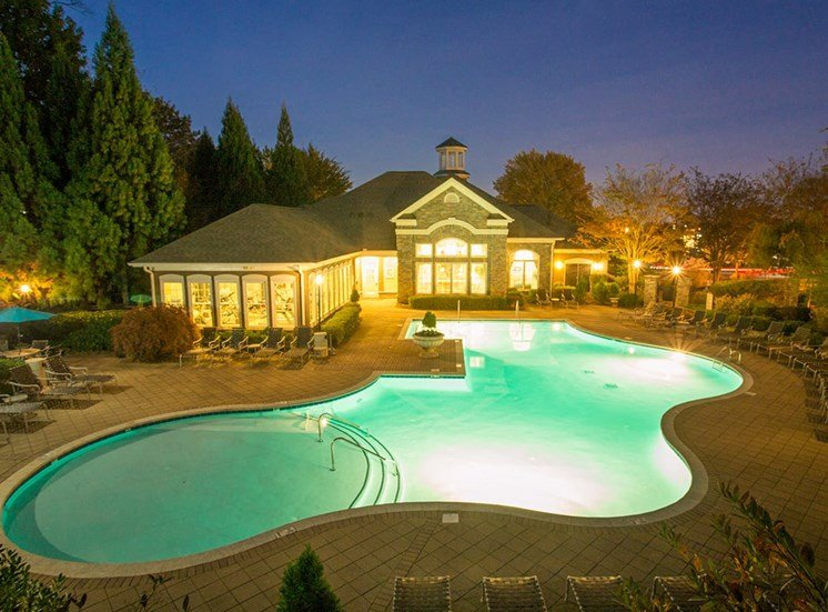 Barrett Walk Apartments swimming pool in Kennesaw, GA