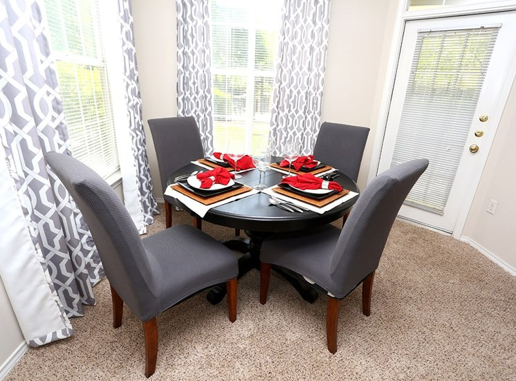 The Lodge at Crossroads model suite dining area in Cary, North Carolina