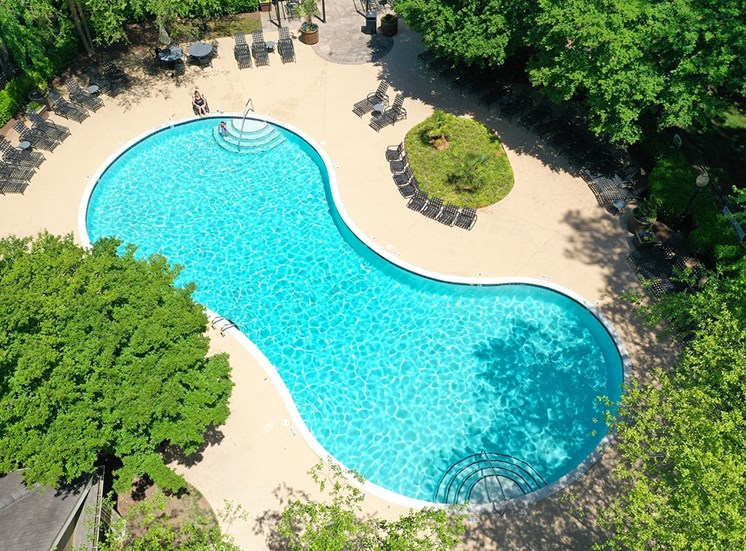 The Lodge at Crossroads apartments swimming pool in Cary, North Carolina