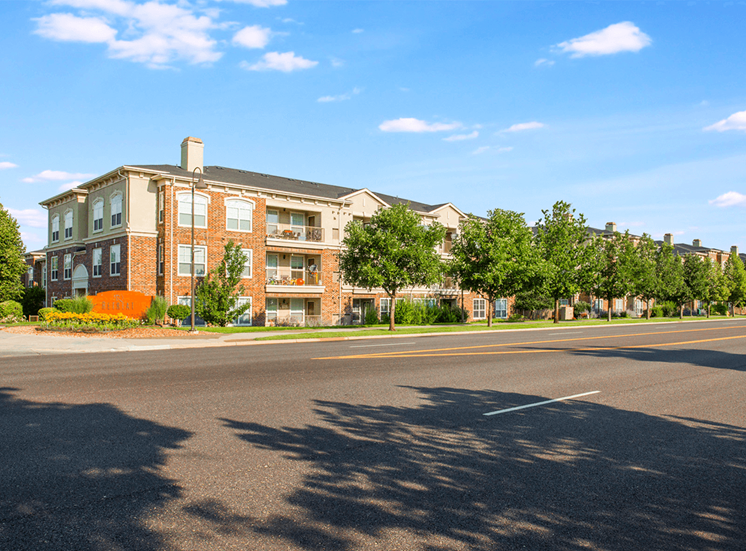 Retreat at City Center apartments for rent in Aurora, Colorado