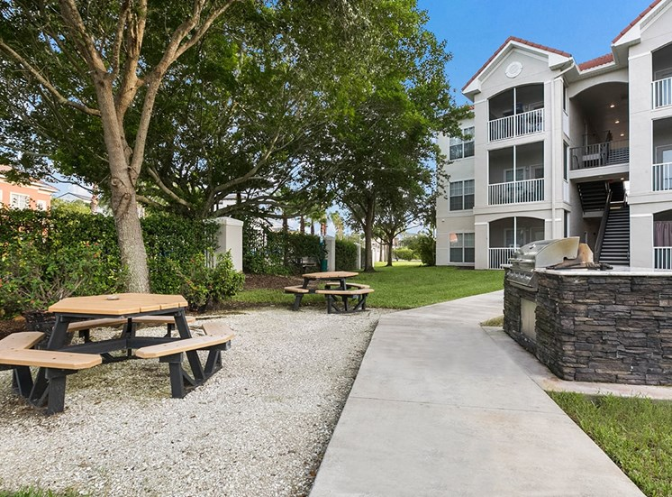 210 Watermark apartments BBQ and picnic area in Bradenton, Florida
