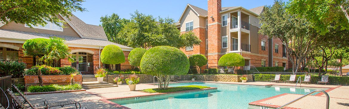 Apartments and Townhouses in Irving with two pools
