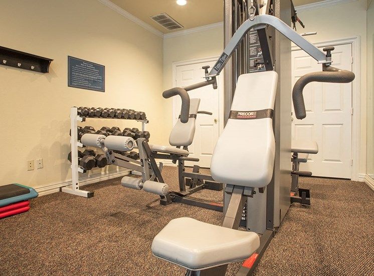 Retreat at Spring Park apartments fitness center in Garland, TX