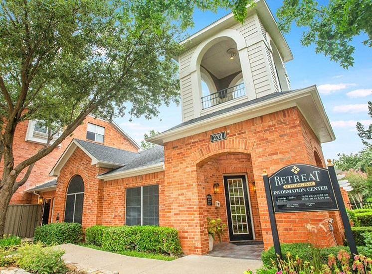 Retreat at Spring Park apartments leasing center in Garland, TX