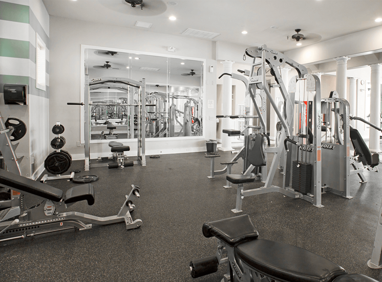 Grand Venetian apartments fitness center in Irving, Texas