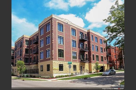 Parking Brownlofts Apartments 1815 University Ave Madison Wi Rentcaf