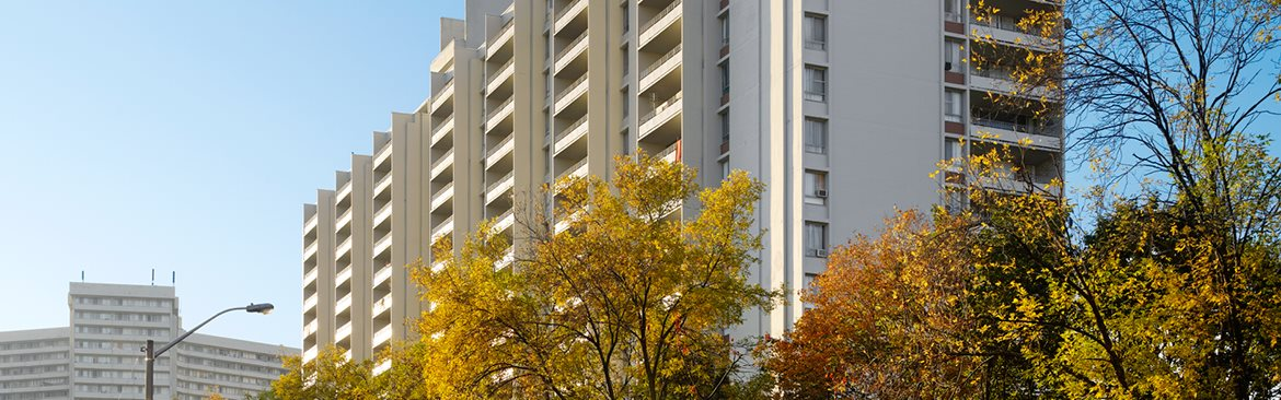 Apartments in Toronto - Rideau Towers at 35 Thorncliffe Park Drive
