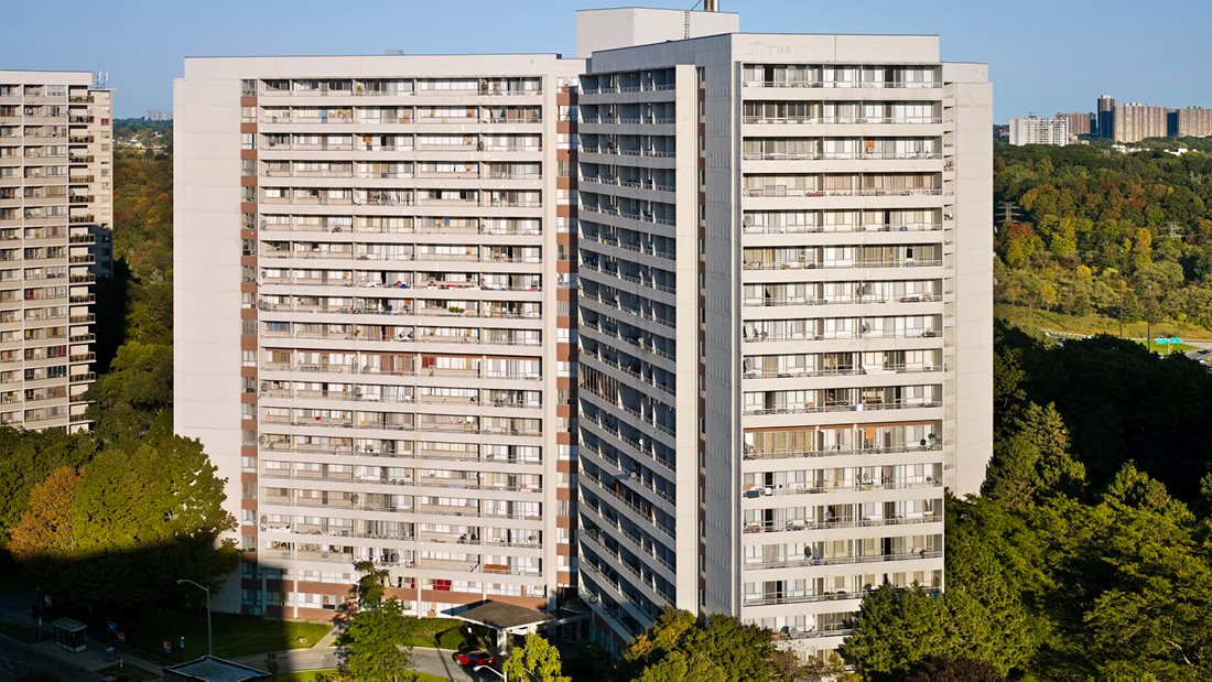 Rideau Towers - 49 Thorncliffe Park Drive
