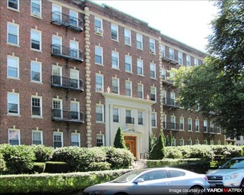 1848-1850 Commonwealth Ave 1-3 Beds Apartment for Rent Photo Gallery 1