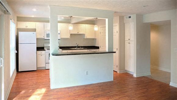 Harpers Point Apartments I Photo Gallery 29