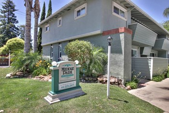 1024, 1026, 1028 Middle Avenue 1-3 Beds Apartment for Rent Photo Gallery 1