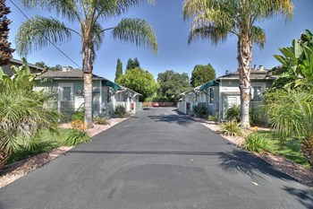 718, 722 Live Oak Avenue 1 Bed Apartment for Rent Photo Gallery 1