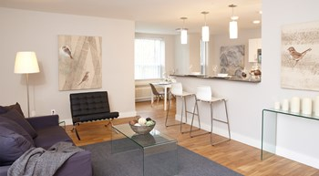 2400 Bathurst Street 1-3 Beds Apartment for Rent Photo Gallery 1