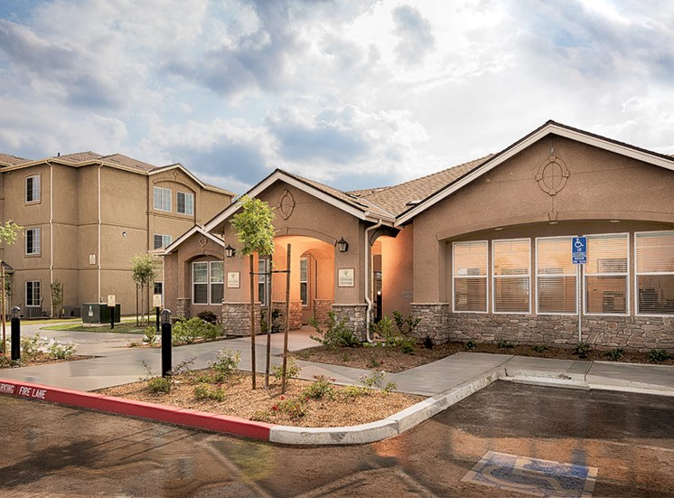 The Grove Apartments Lemoore Office