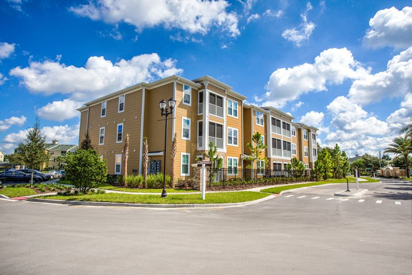 Luxury Apartment Homes in Riverview, FL
