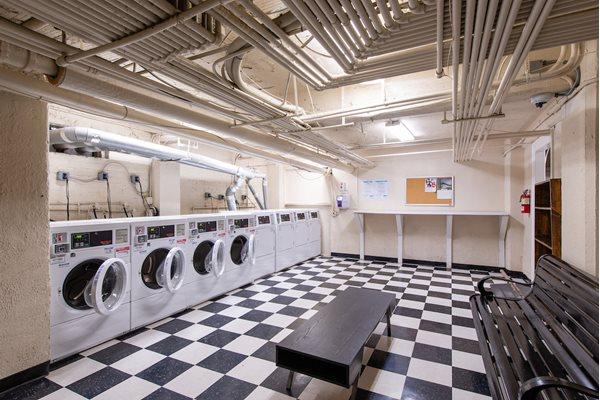 Spacious Laundry Room at Barclay