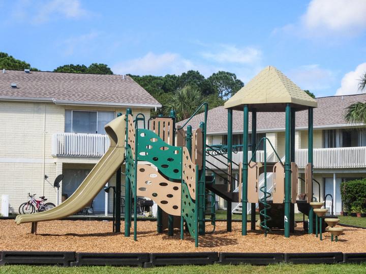Palmera Pointe Condos Playground